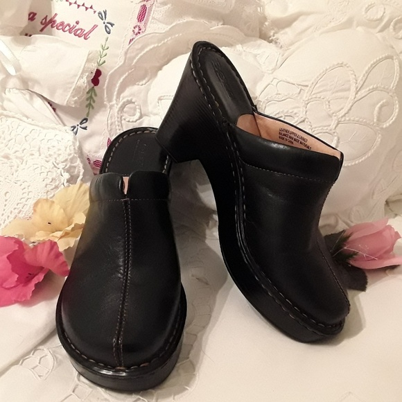 BORN Shoes - NEW, BORN LEATHER CLOGS, BLACK /BROWN STITCHING 7